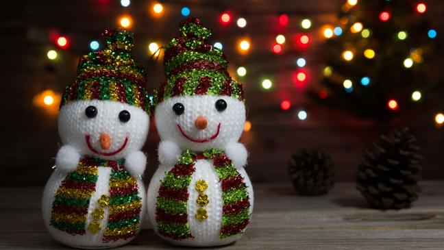 knitted snow man decoration